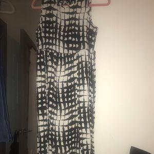Black and white printed maxi dress size small